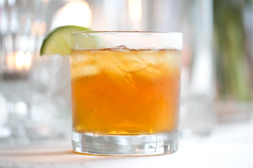 ginger beer, lime, cocktail