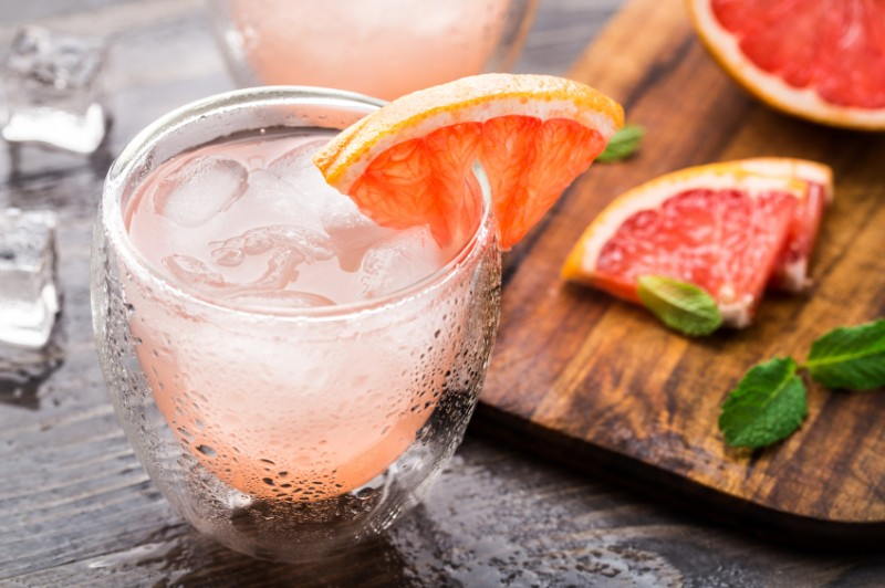 cocktail with grapefruit