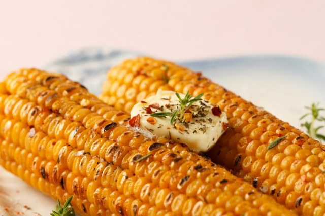 Chili-Butter Barbecued Corn