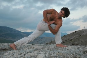Why More Men Should Be Doing Yoga