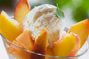 6 Recipes That Combine Peaches and Bourbon