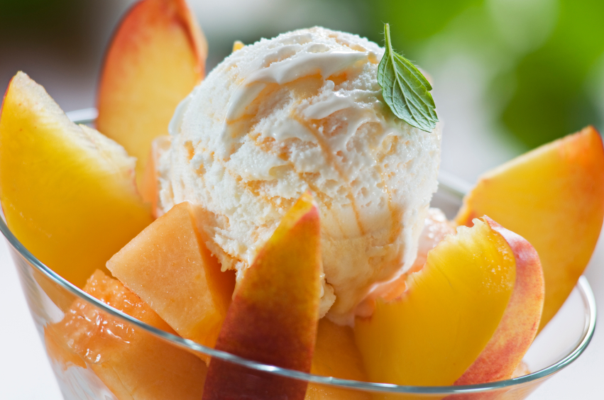 peach sundae, ice cream