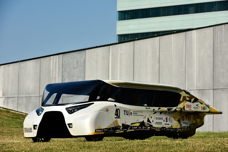 zonne-auto Stella Lux