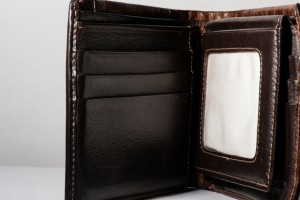 Every Modern Man Needs These Stylish Leather Wallets