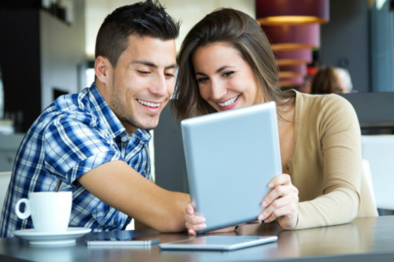couple with iPad
