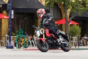 What You Should Know Before Choosing a Motorcycle Over a Car