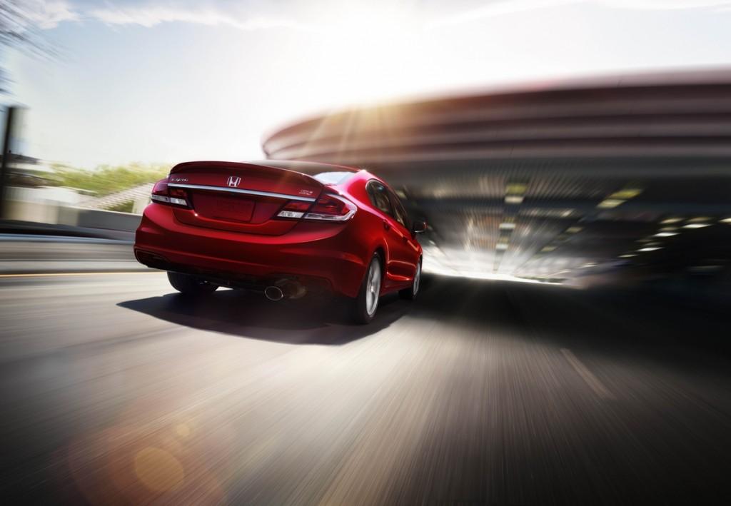 2015_Honda_Civic_Si_Sedan_03