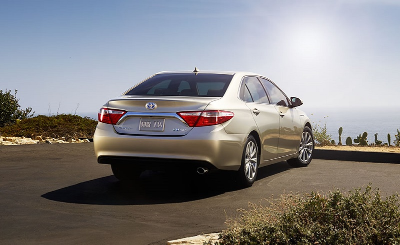 2016 Toyota Camry Hybrid, a Consumer Reports favorite