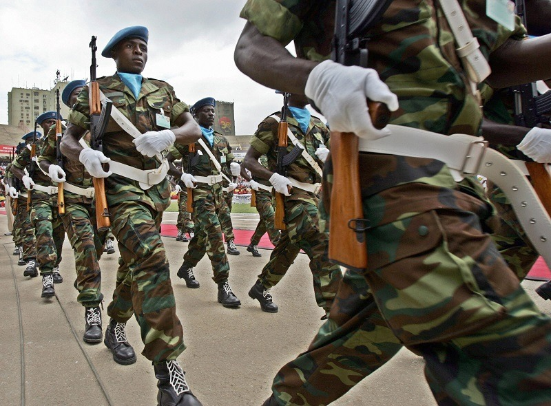 Angolan soldiers parade in the streets