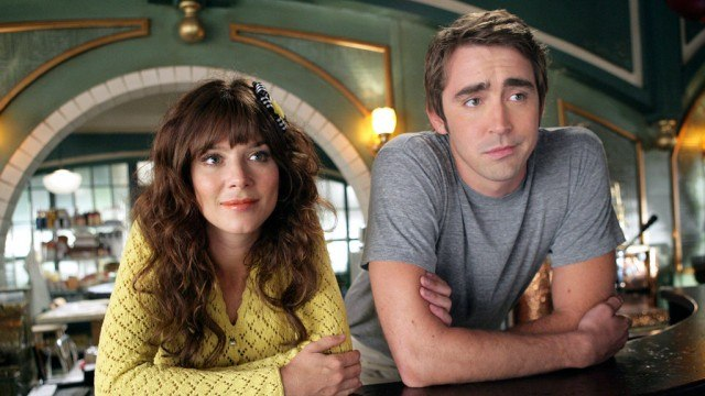 Anna Friel and Lee Pace in 'Pushing Daisies'