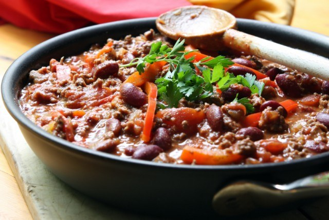 chili, beef, peppers