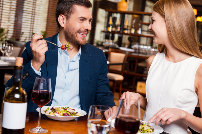 couple on a date at restaurant