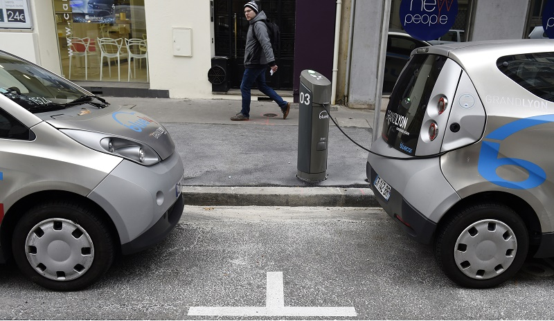 FRANCE-TRANSPORT-ENERGY-CARS