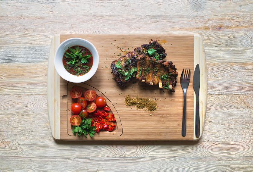 pork ribs, herbs, tomatoes