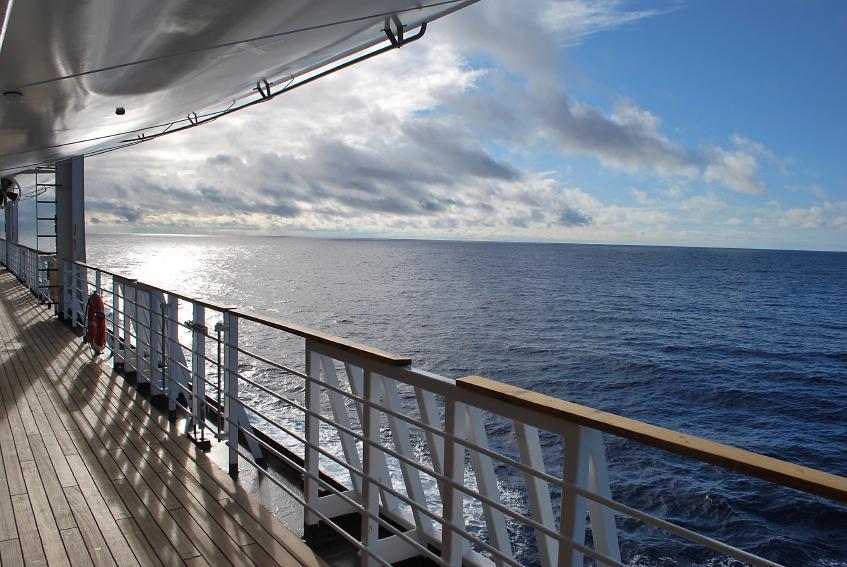 Celebrity cruise drinking water