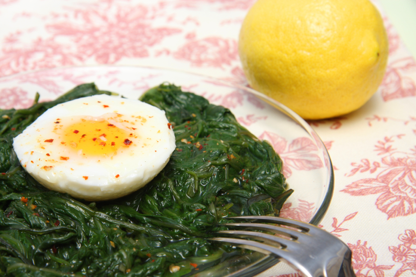 Spicy eggs with kale