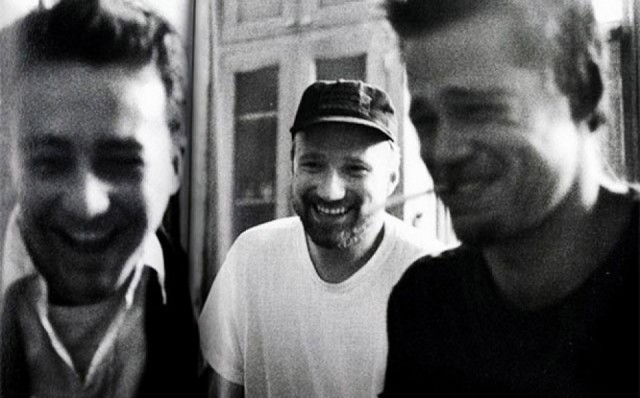 Edward Norton, David Fincher and Brad Pitt on the set of 'Fight Club'