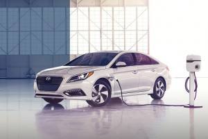 Hyundai Sonata Plug-in Delivers Better Range, MPGe Than Expected
