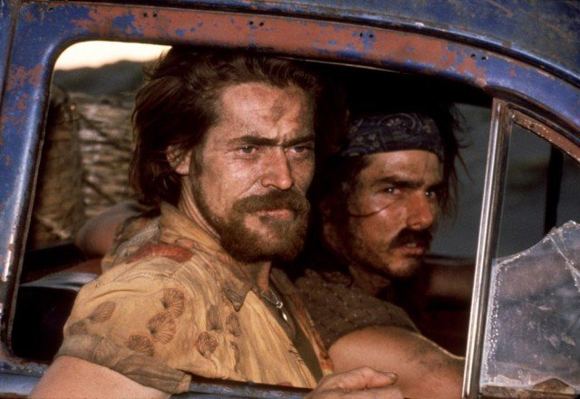 Willem Dafoe and Tom Cruise in Born on the Fourth of July