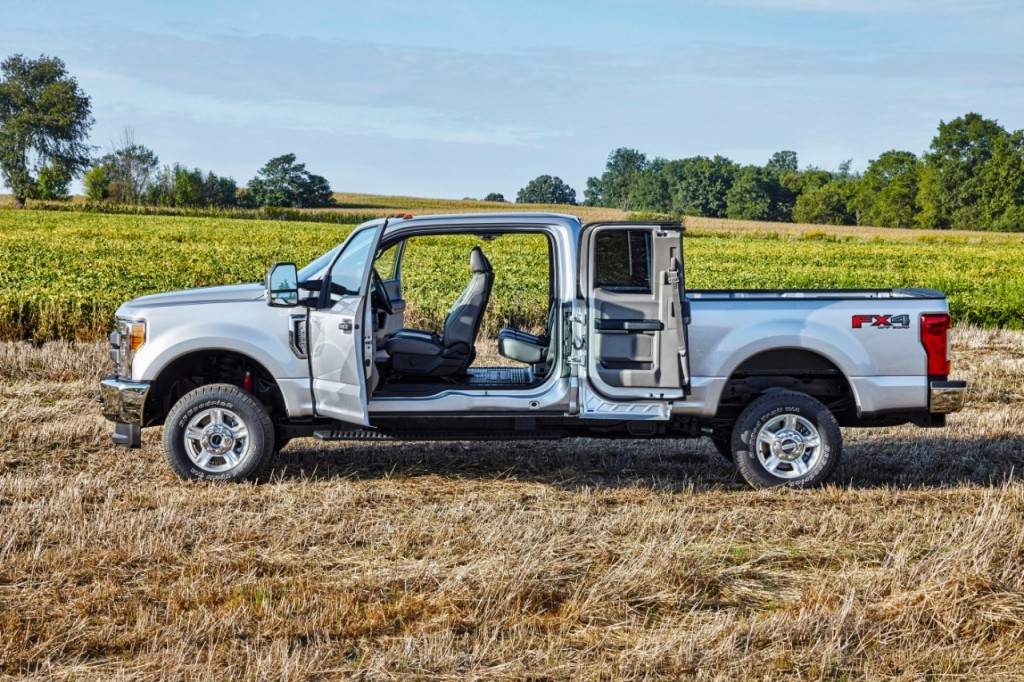 17FordF250XL_2011_HR