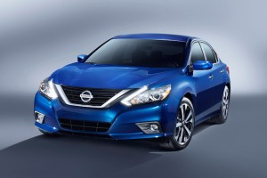 Nissan Introduces a Spruced-Up 2016 Altima in New York