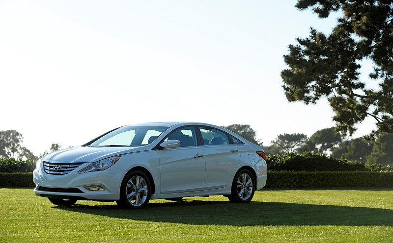 View of a white 2011 Hyundai Sonata