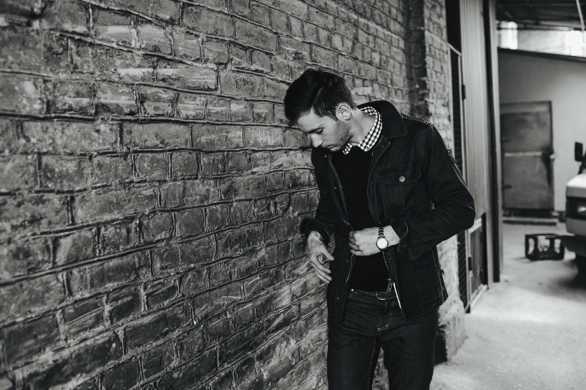 man wearing stylish jeans