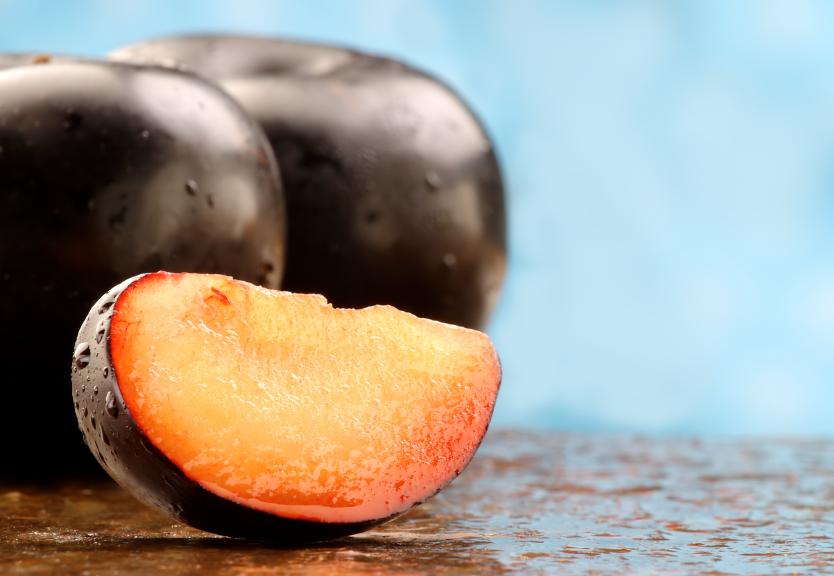 sliced plum