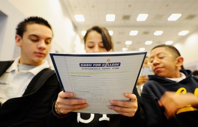 prospective college students look at information
