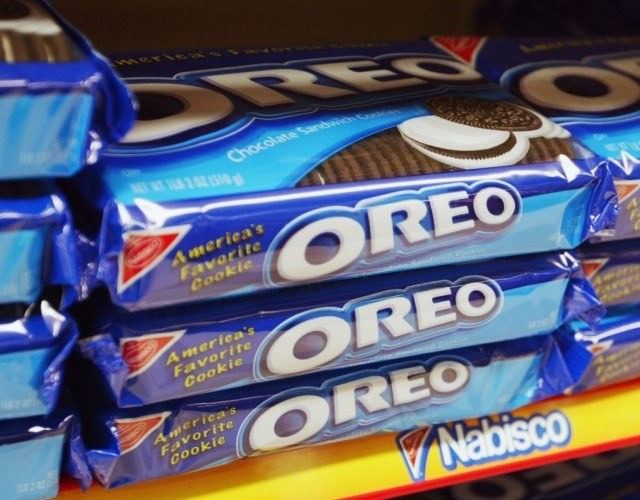 Multiple packages of oreos
