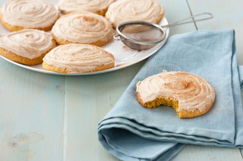 pumpkin spice cookies, frosting