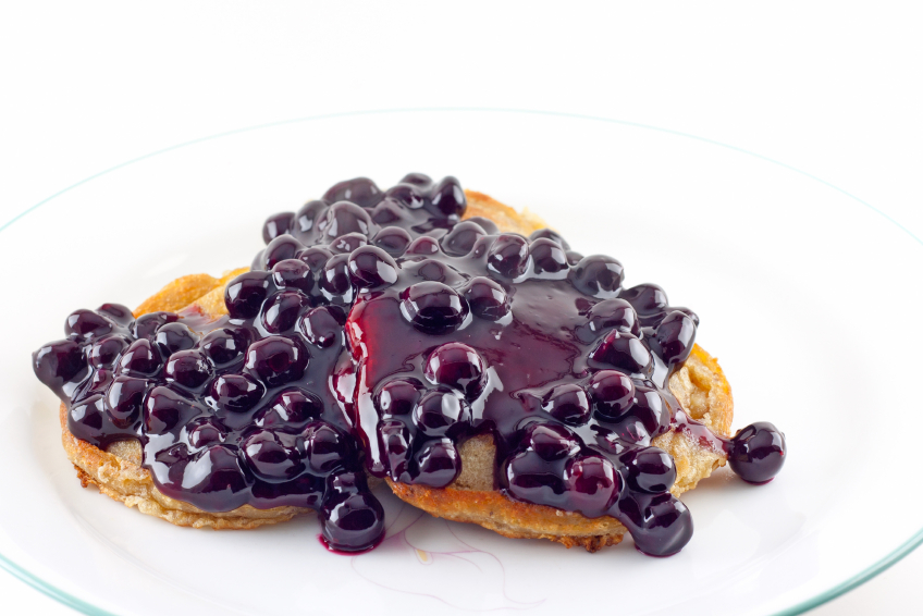 pancakes with blueberry sauce
