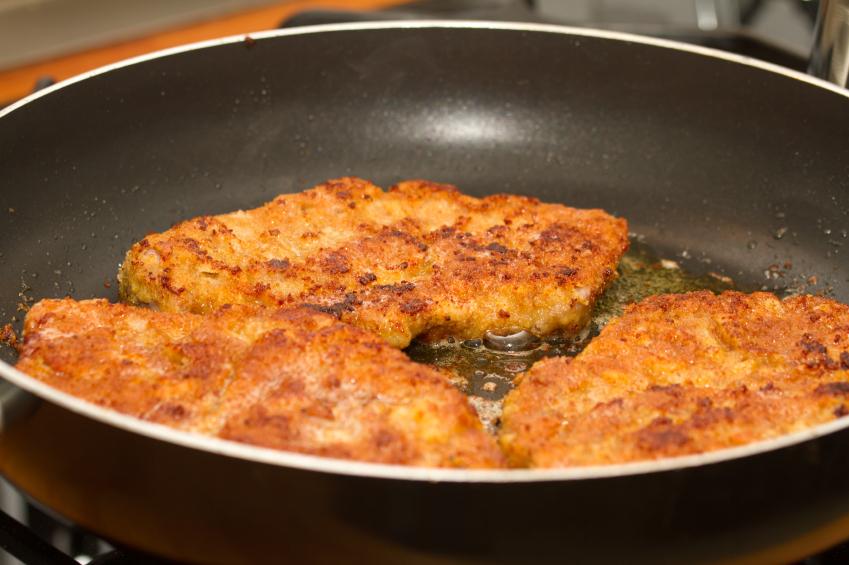 breaded pork, cooking, pan