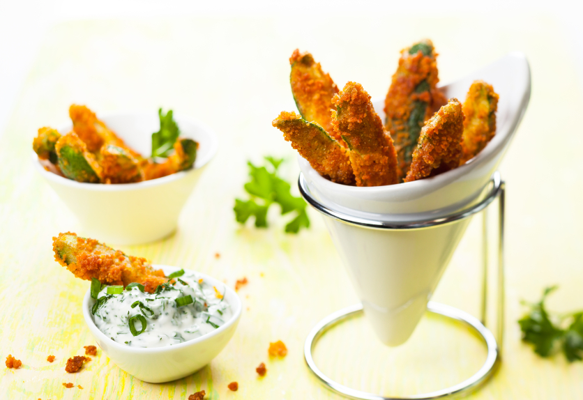 zucchini fries, breaded, dip
