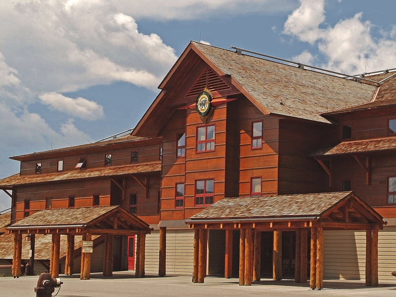 5 of the best lodges you can stay in at america s national for Yellowstone log cabin hotel