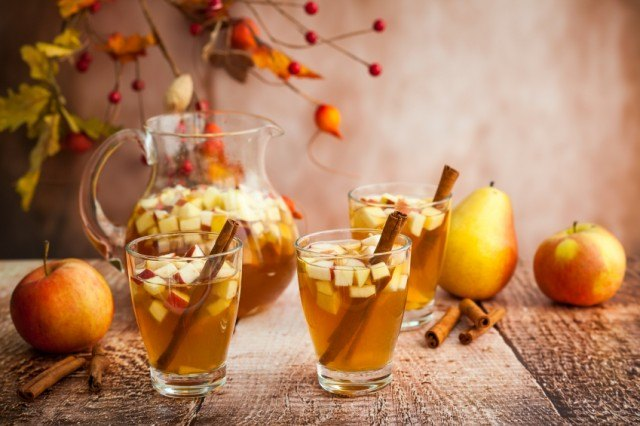 Fall sangria with apples and pears