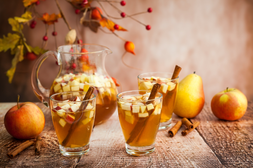 fall fruit sangria, apple, pear, cocktail