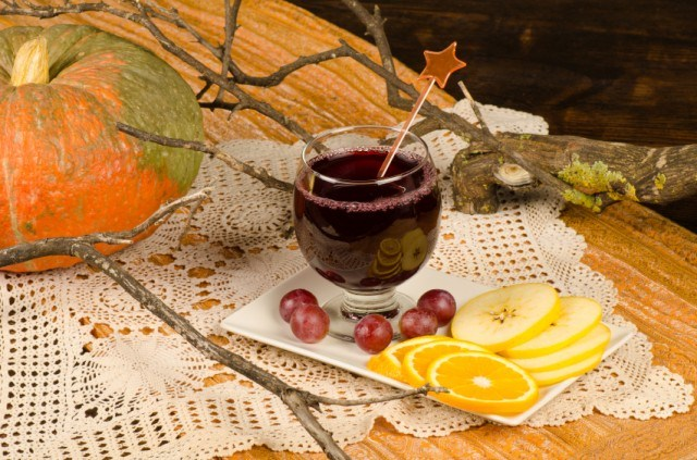 A sangria made with red wine that's perfect for fall