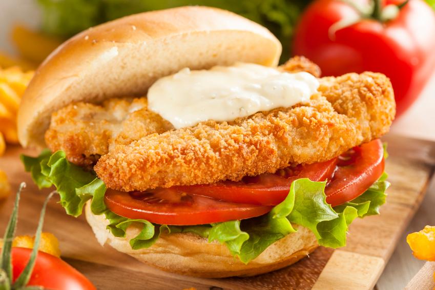 breaded fish sandwich, tartar sauce