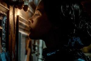 'Crimson Peak' Review: Visually Stunning, But a Crappy Story