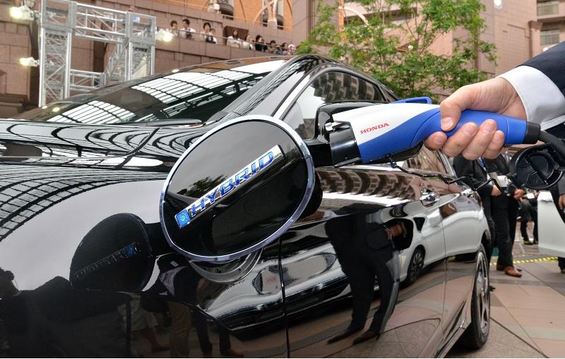 Honda accord plug