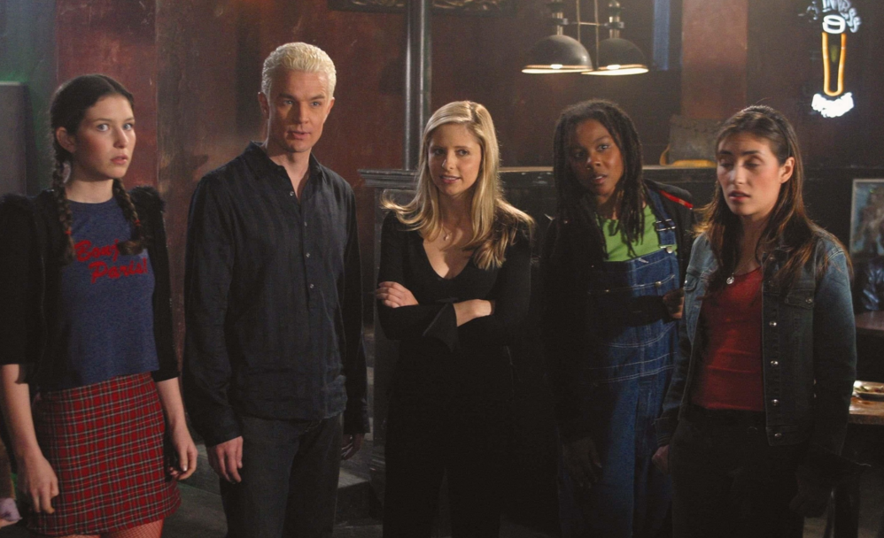 Characters From Buffy The Vampire Slayer Standing In A Room