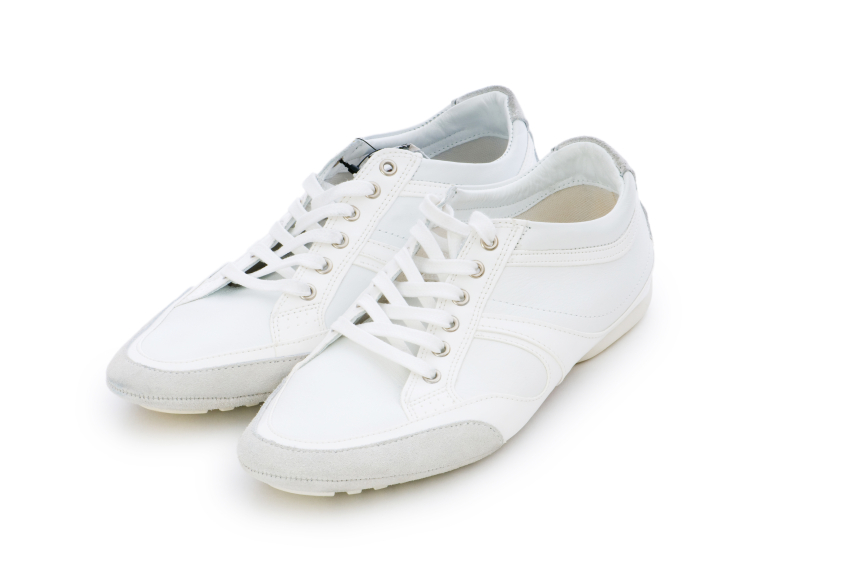 5 hacks for keeping your white shoes clean part 3