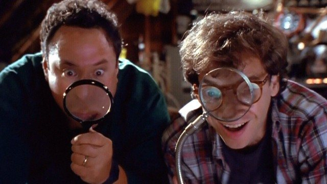 Stuart Pankin and Rick Moranis in 'Honey, We Shrunk Ourselves'