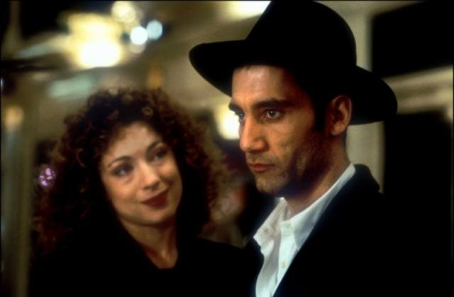 Alex Kingston and Clive Owen in 'Croupier'