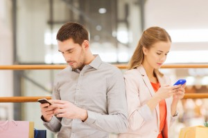 12 Signs That You Use Your Smartphone Too Much