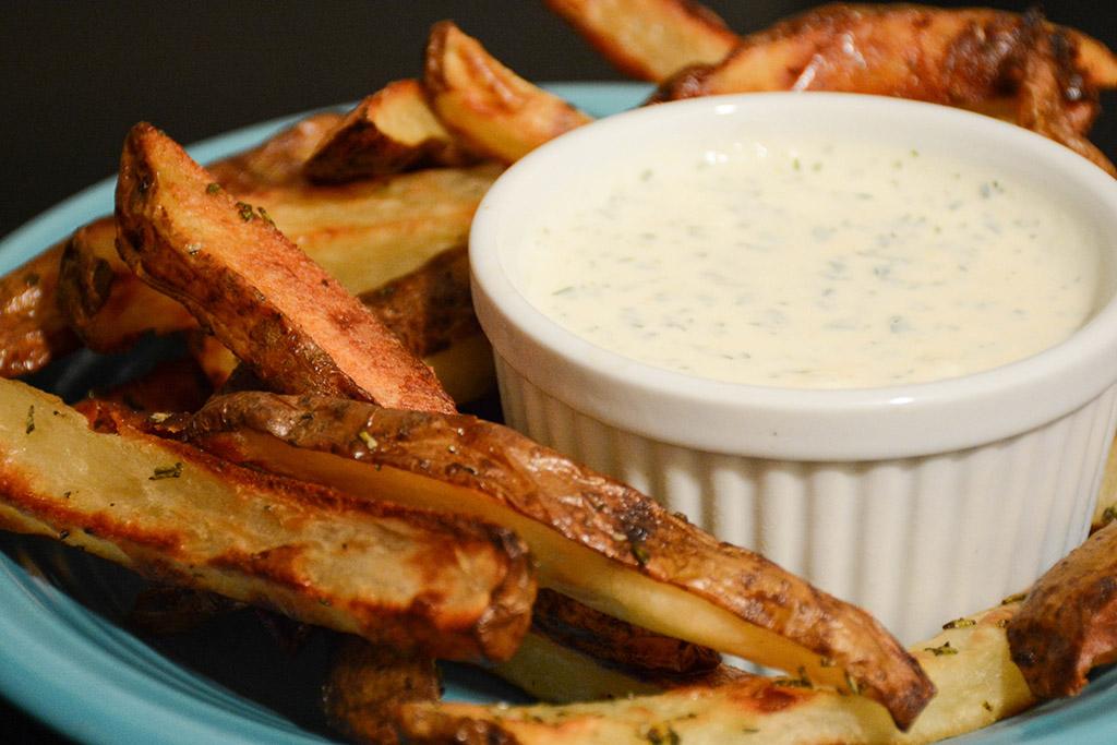 rosemary oven fries with horseradish dip 1
