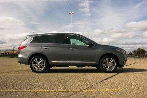 2015 Infiniti QX60 Review: Weighing Its Potential Against Its Payoff