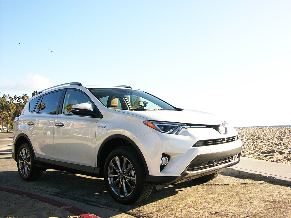 toyota rav4 hybrid review small step for toyota one giant leap for crossovers. Black Bedroom Furniture Sets. Home Design Ideas