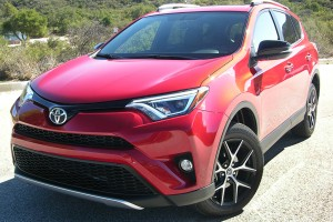 2016 Toyota RAV4 SE: Sporty and Sensible, But Not Perfect
